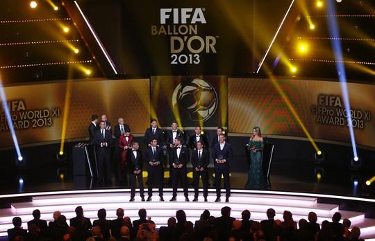Đội hình tiêu biểu thế giới năm 2013