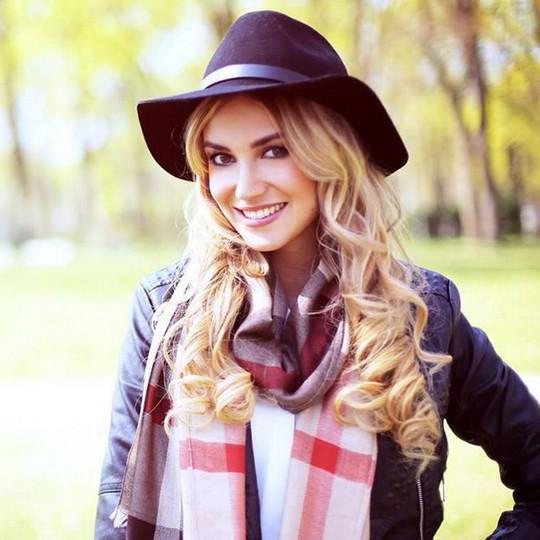 Melanie Rickinger, bạn gái của Lell