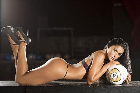 Tatiana Ramos: Người đẹp thích diễn với quả bóng tròn