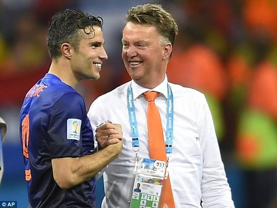 Van Persie và Van Gaal sẽ giúp M.U thành công trong mùa bóng mới?