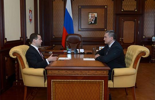 Ông Medvedev gặp Thủ tướng Crimea Sergei Aksyonov tại