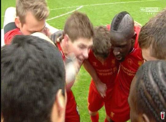 Gerrard khóc nức nở sau trận thắng Man City