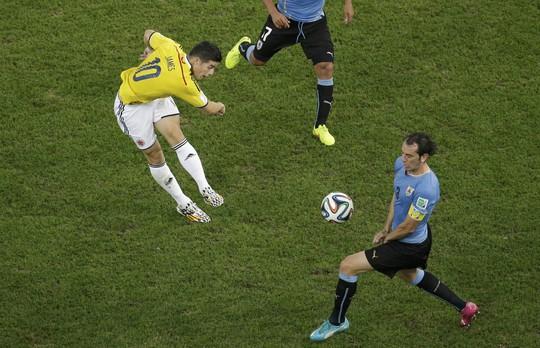 Rodriguez ghi bàn thắng đẹp nhất World Cup 2014