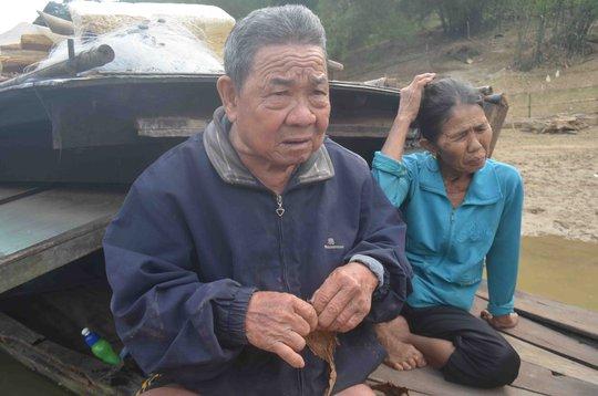 Ông Mai Thùng với 80 năm mưu sinh trên ghe cùng với vợ ông
