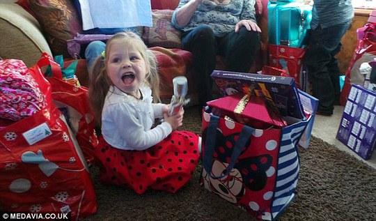 Ảnh chụp Olivia vào Lễ Giáng sinh năm 2013