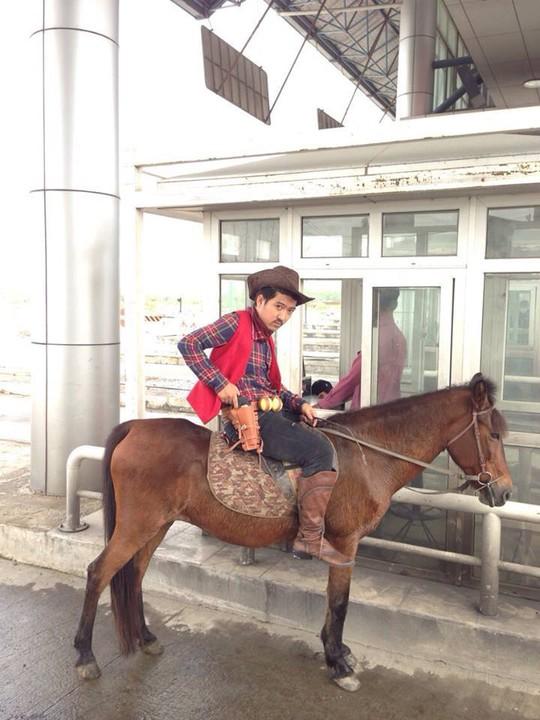 Trường Giang năm Ngọ tập cưỡi Ngựa