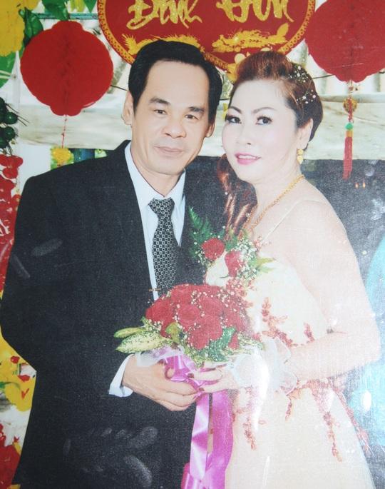Rạng và chị Huệ trong ngày đính hôn