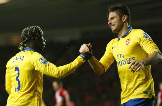 Giroud vẫn đều đặn ghi bàn cho Arsenal