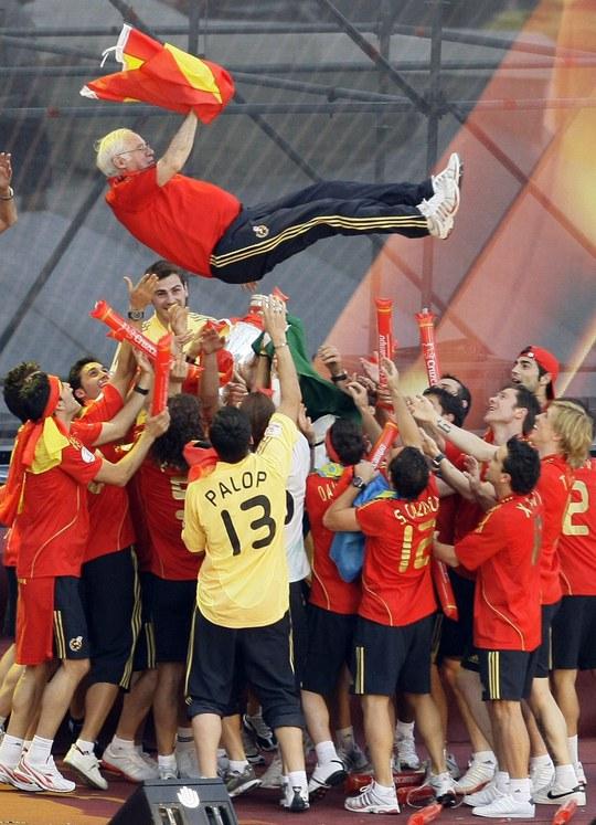Người giúp Tây Ban Nha vô địch Euro 2008 qua đời