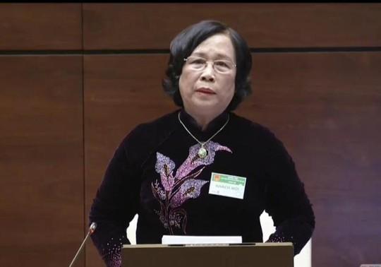 Bộ trưởng Bộ Lao động - Thương binh và Xã hội Phạm Thị Hải Chuyền trả lời chất vấn của đại biểu QH. Ảnh chụp qua màn hình