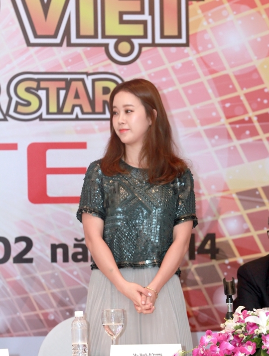 Baek Ji Young đã tạo thiện cảm đặc biệt với báo giới bằng sự thân thiện cũng như khiêm tốn của mình