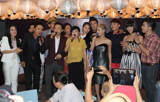 """NSƯT Thành Lộc """"chọc"""" Lam Trường, Phương Thanh cười ngất"""
