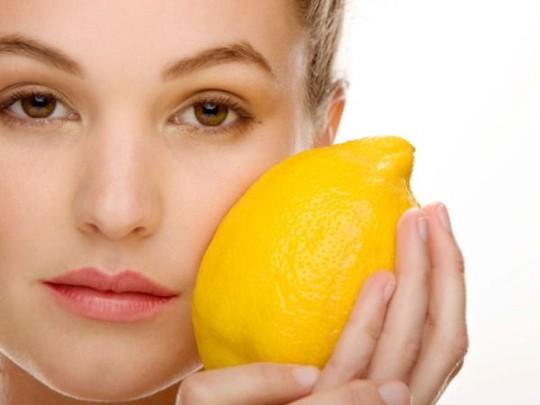 Viêm da cơ là bệnh viêm cơ với những thay đổi rõ rệt trên da và 20% có liên quan đến ung thư nội khoa, trong đó phổ biến nhất là ung thư buồng trứng.