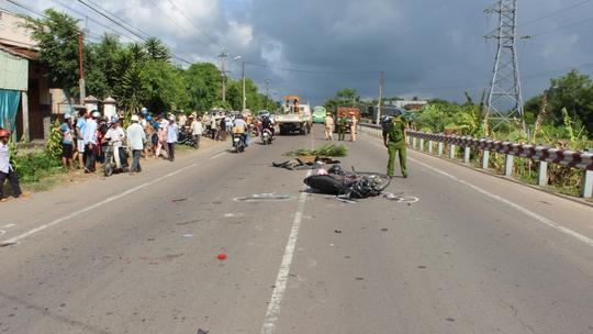 Hiện trường vụ đối đầu xe tải, làm một người đàn ông chết tại chỗ