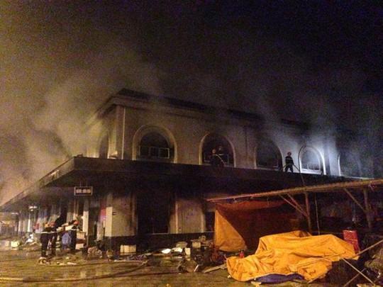 Khu chợ 2 tầng sau đám cháy