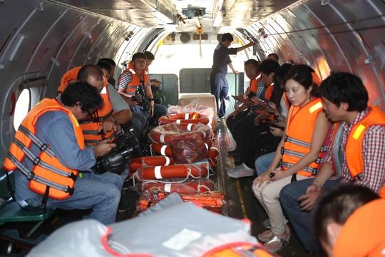 Chuyến bay có phóng viên AP, AFP, Tân Hoa Xã... đăng ký tham gia đưa tin, tường thuật