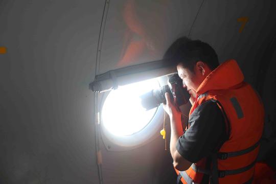 Nhiều phóng viên Trung Quốc vẫn trực chiến và đăng ký tham gia các chuyến bay tìm kiếm, cứu nạn của VN
