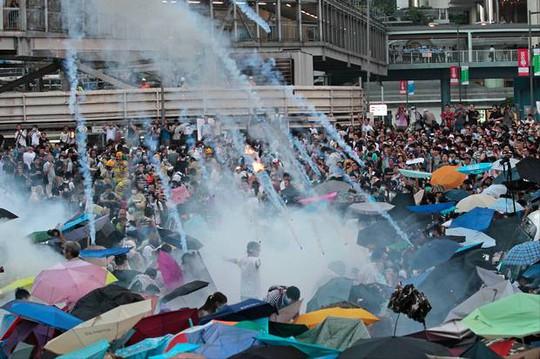 Phong trào 'Chiếm lĩnh Trung tâm' đổi ngày biểu tình lên sớm hơn để tiếp nối hoạt động của sinh viên. Ảnh: AP