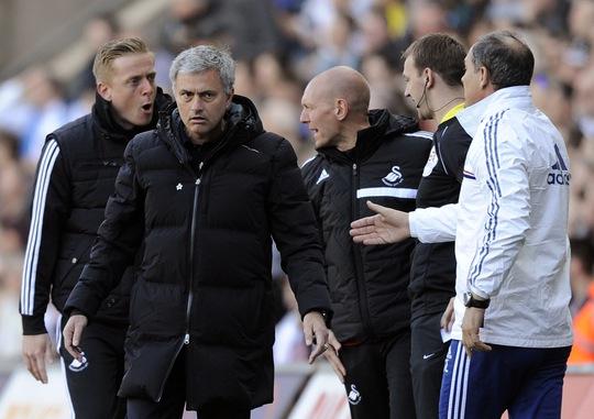 Với Mourinho, Chelsea có 1 HLV giỏi ứng biến và chịu được sức ép, đặc biệt ở các trận đấu lớn Ảnh: REUTERS