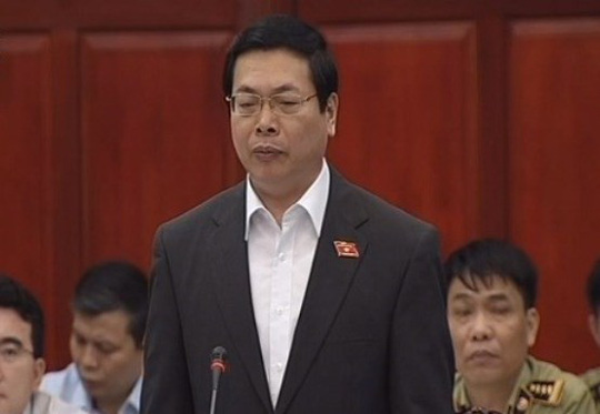 Bộ trưởng Bộ Công Thương Vũ Huy Hoàng tại phiên chất vấn sáng 1-4