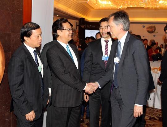 Thủ tướng Nguyễn Tấn Dũng bày tỏ sự quan tâm đặc biệt và khuyến khích các tập đoàn tiếp tục mở rộng hơn nữa hoạt động thương mại và đầu tư tại Việt Nam