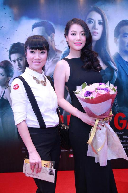 Dù giữa cơn mưa lớn, nhưng Hương Ga vẫn thu hút sự quan tâm của rất đông khán giả và giới chuyên môn. Bộ phim đã nhận được những lời khen ngợi của không ít khán giả