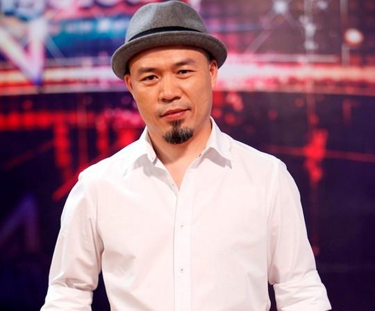 Nhạc sĩ Huy Tuấn hiện đang là giám đốc âm nhạc công ty quản lý hai ca sĩ độc quyền là Sơn Tùng M-TP và Văn Mai Hương