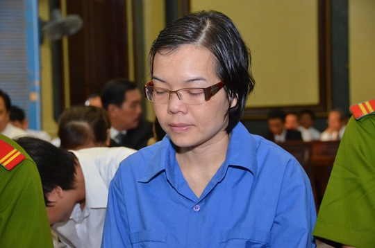 Bị cáo Huỳnh Thị Huyền Như trong phiên tòa sáng 16-12. Ảnh: T.Thạnh
