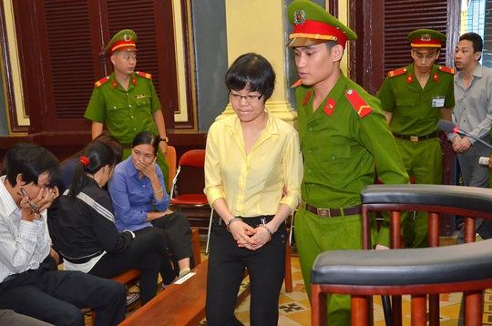 Siêu lừa Huyền Như tại phiên xử ngày 8-1