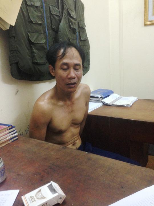 Huỳnh Văn Tấn tại cơ quan công an
