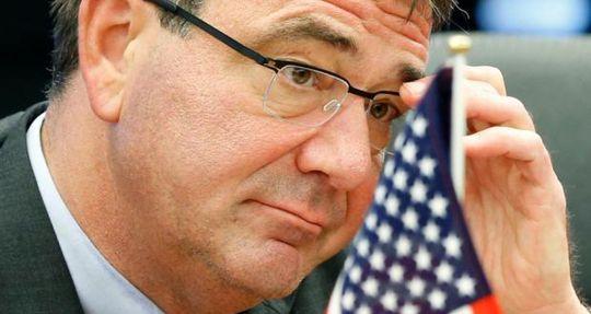 Ông Carter,60 tuổi, cựu thứ trưởng Bộ Quốc phòng Mỹ, được cho là ứng cử viên hàng đầu cho vị trí quan trọng này. Ảnh: Reuters