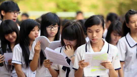 Các thí sinh thi tốt nghiệp tại Trường THCS Lý Phong, quận 5 - TP HCM