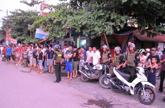 Lực lượng công an giữ gìn ANTT tại tuyến đường các học viên đi qua