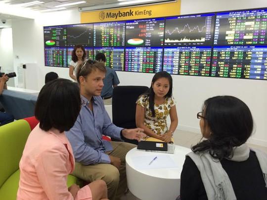Thanh khoản thị trường tăng vọt sau nhiều ngày ảm đạm
