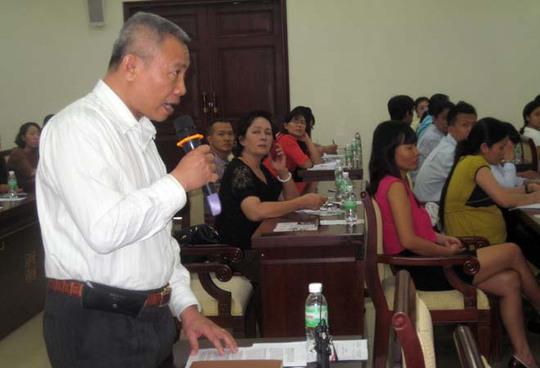 Đại diện doanh nghiệp trao đổi tại buổi đối thoại về thuế tại TP HCM ngày 30-10.