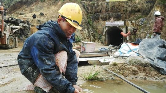 Anh Nguyễn Văn Tuấn, một trong số 3 người may mắn thoát nạn