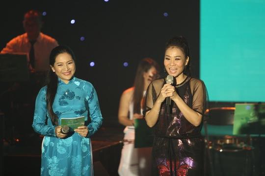 Ca sĩ Thu Minh có mặt trong đêm nhạc này