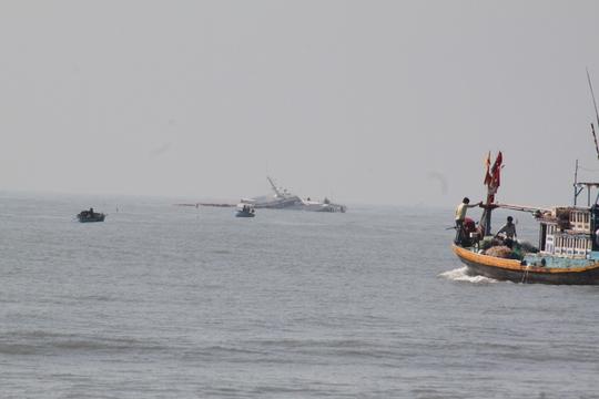 Tàu khách Sananva bị chìm cách cảng Phan Thiết khoảng 2 hải lí