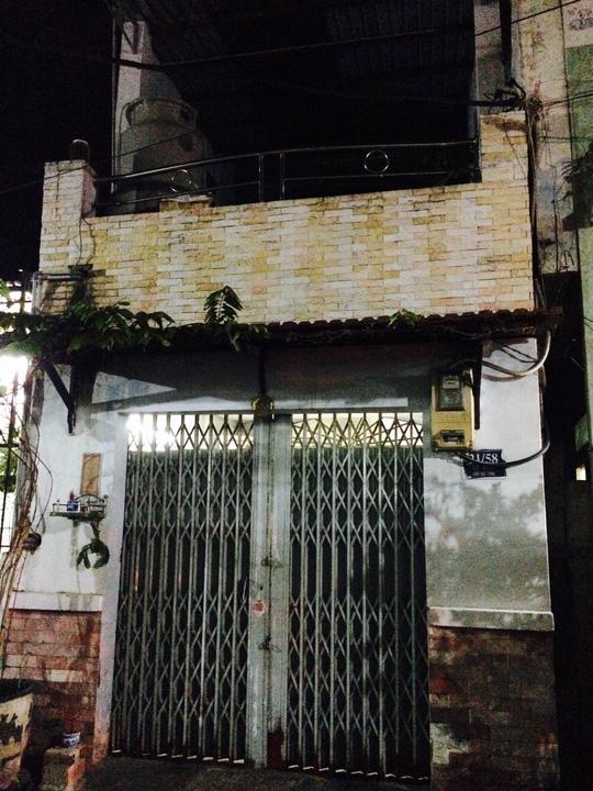 Nhà 21/58 Lê Ngã, phường Phú Trung, quận Tân Phú, TP HCM, nơi chị Phụng bị giết vào tối 17-11.