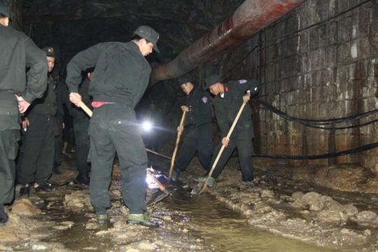 Khơi thông dòng chảy để nước trong hầm nhanh chóng chảy ra ngoài