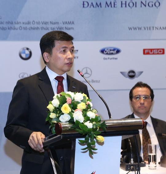 Ông Jesus Metelo Arias, Chủ tịch VAMA, phát biểu tại buổi họp báo