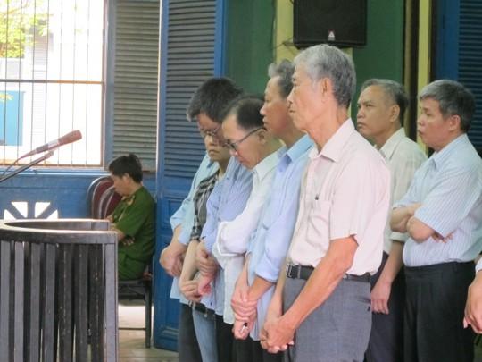 Các bị cáo trong vụ AgriBank Tân Bình tại phiên sơ thẩm