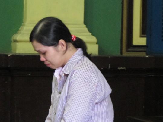 Bị cáo Loan nói rằng chỉ đốt để hù chồng không ly hôn