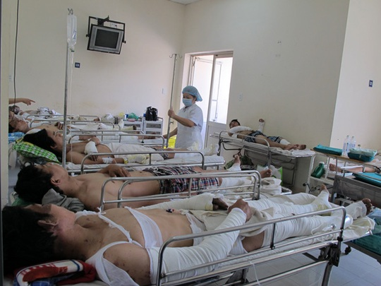 10 nạn nhân vụ nổ tại nhà máy thép Pomina tối 11-4 đang được điều trị tại Bệnh viện Chợ Rẫy TP HCM