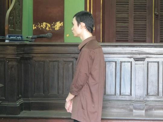 Chung bị xử cả hai tội do giao cấu với người tình trước và sau 13 tuổi