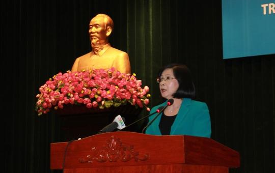 Bà Nguyễn Thị Thu Hà phát biểu tại hội nghị