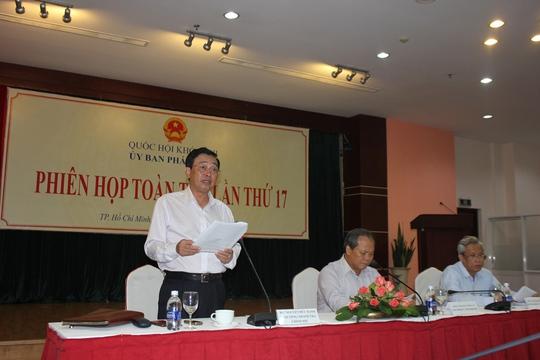 Phó Tổng Thanh tra Chính phủ Nguyễn Đức Hạnh báo cáo công tác giải quyết khiếu nại, tố cáo năm 2014