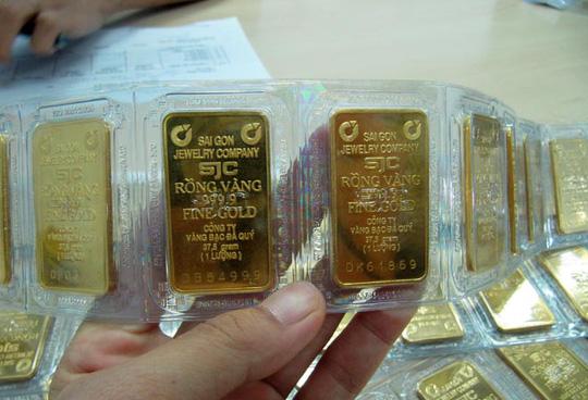 Chênh lệch giá vàng đã nới rộng ra đến 4,7 triệu đồng/lượng