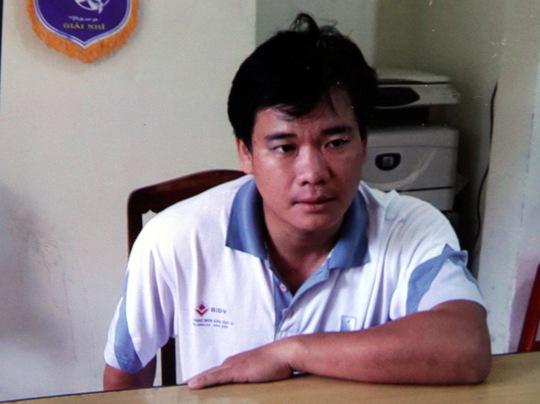 Đối tượng Nguyễn Hùng tại cơ quan công an