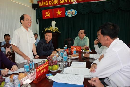 Đại diện cho 47 hộ dân, ông Nguyễn Văn Chung kiến nghị giá bồi thường phải dựa trên diện tích đất ở
